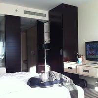 Das Foto wurde bei Sheraton Munich Arabellapark Hotel von Ben S. am 6/11/2012 aufgenommen