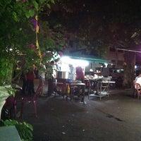 Photo taken at Nasi Kandar Pokok Ceri by Shafique T. on 9/17/2011