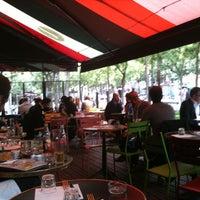 Photo prise au Delaville Café par Sebastien M. le8/5/2011
