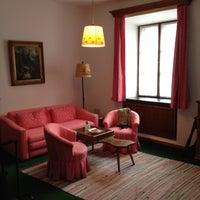 Das Foto wurde bei Hotel Goldener Hirsch von Cristina C. am 9/3/2012 aufgenommen