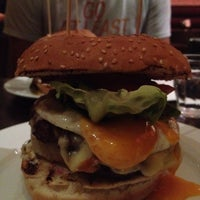 Photo taken at Gourmet Burger Kitchen by Yen P. on 8/20/2012