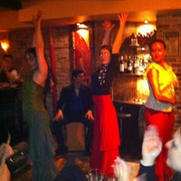 Foto tomada en Nai Tapas Bar por Jenny B. el 4/29/2012