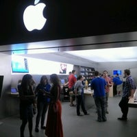 Photo taken at Apple Syracuse by Frank C. on 8/18/2012