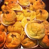 Foto tirada no(a) Bellapan Bakery por Rafael K. em 8/25/2012