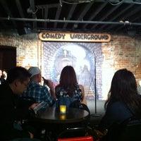 Photo prise au Comedy Underground par Reza M. le5/15/2011