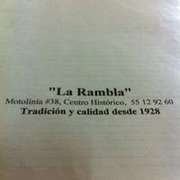 Foto tomada en La Rambla por Uriel R. el 5/6/2011