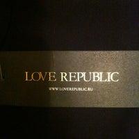 Photo taken at Love Republic by Юля on 12/21/2011