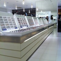 Photo taken at JINS 有楽町阪急メンズ東京店 by Akira K. on 7/12/2012