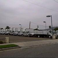 รูปภาพถ่ายที่ Rent-It Trucks Truck Rentals Simi Valley โดย Jay F. เมื่อ 7/21/2011
