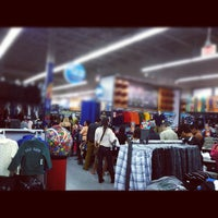Photo taken at Old Navy Pembroke Gardens by Christopher L. on 11/25/2011