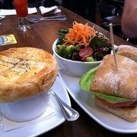 Foto diambil di Olive & Anchor oleh Alanna R. pada 2/26/2012