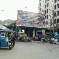 Photo taken at ท่าเรือนนทบุรี (พิบูลย์ 3) Nonthaburi (Pibul 3) N30 by วรวุฒิ จ. on 1/18/2012