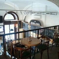 8/30/2011 tarihinde Jonathan H.ziyaretçi tarafından Nonloso Caffé & Bar'de çekilen fotoğraf