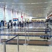 Photo taken at José Joaquín de Olmedo International Airport (GYE) by pancho j. on 3/20/2012