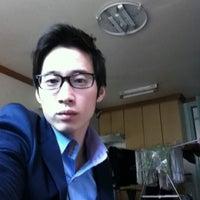 Photo taken at 마샬헤어 by Wonkyo K. on 4/28/2011