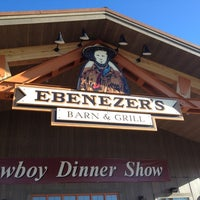 Photo taken at Ebenezers Barn & Grill by Gert S. on 6/23/2012