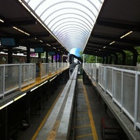 Foto tirada no(a) Seattle Center Station - Seattle Center Monorail por Stephanie M. em 6/9/2012