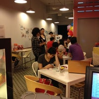 Photo taken at Crumbs. by akim s. on 7/20/2012