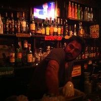 Photo prise au Teachers Pub par Ozgun S. le12/14/2011
