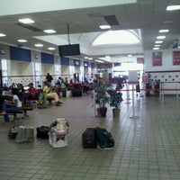 Photo taken at Greyhound Bus Lines by Taber B. on 8/20/2011
