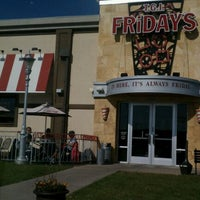 Photo taken at TGI Fridays by Ams on 10/4/2011