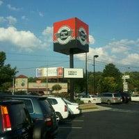 Photo taken at Steak 'n Shake by Tk H. on 8/13/2011
