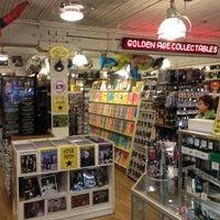 Foto tirada no(a) Golden Age Collectables por Neil W. em 6/20/2012
