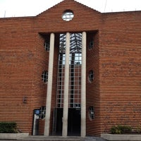 Photo taken at Universidad del Valle de México by Ademir P. on 6/19/2012