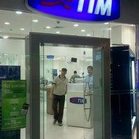 Photo taken at Loja TIM by Tim M. on 10/1/2011