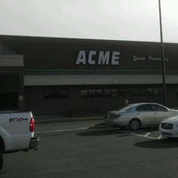 Photo taken at ACME Markets by Eazy-E V. on 1/29/2012
