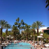 Photo prise au MGM Grand Pool par Melisa💓 R. le6/9/2012