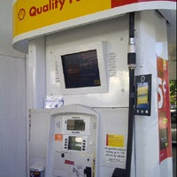 Photo taken at Shell by Henrique M. on 9/27/2011