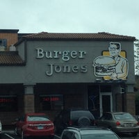 Photo taken at Burger Jones by Vicente A. on 5/26/2012