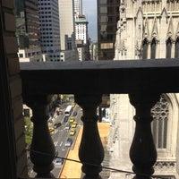 Photo prise au Cafe SFA par Dylan D. le5/6/2012