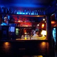 Foto tirada no(a) Macondo Bar por Denis B. em 4/9/2012