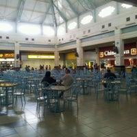 Foto tirada no(a) Praça de Alimentação por Daniel S. em 2/16/2012