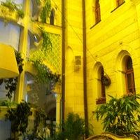 Снимок сделан в Vasanta пользователем Екатерина Д. 5/20/2012