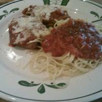 Photo taken at Olive Garden by Jess K. on 7/15/2012
