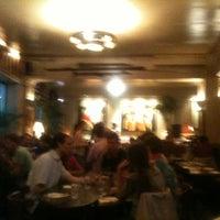 Foto tomada en Café de l'Industrie por Raphael L. el 9/4/2012