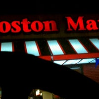 Photo taken at Boston Market by Kenneth R. on 5/4/2012