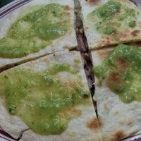 2/18/2012 tarihinde Deyvidt G.ziyaretçi tarafından Tacos Xotepingo'de çekilen fotoğraf