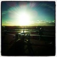 Foto tirada no(a) Aeroporto International da Cidade do Cabo (CPT) por Dion F. em 8/1/2012