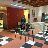 Foto diambil di H Rado Hostel oleh Rafael d. pada 6/13/2012