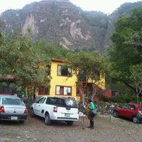 Foto tirada no(a) Campamento Meztitla por Marco Vinicio F. em 5/27/2012