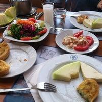 5/15/2012 tarihinde Enez M.ziyaretçi tarafından İsmet Baba Restaurant'de çekilen fotoğraf