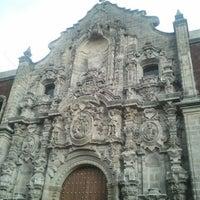 Foto tomada en Biblioteca Miguel Lerdo de Tejada por Alexis L. el 7/29/2012