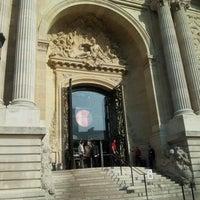 Photo taken at Palais de la Découverte by Lilfa N. on 3/23/2012