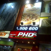 Photo taken at PHD - Pizza Hut Delivery by icha i. on 3/4/2012