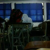 Photo taken at SMAKPA - sekolah menengah analis kimia padang by rafi zhafran on 2/28/2012