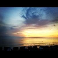 Photo taken at Chaweng Noi Beach by Nusara K. on 8/29/2012